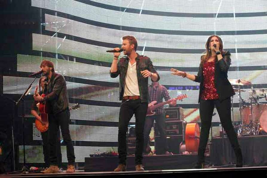 Lady Antebellum plays March 1, 2012, following the RodeoHouston BP Super Series I championship round