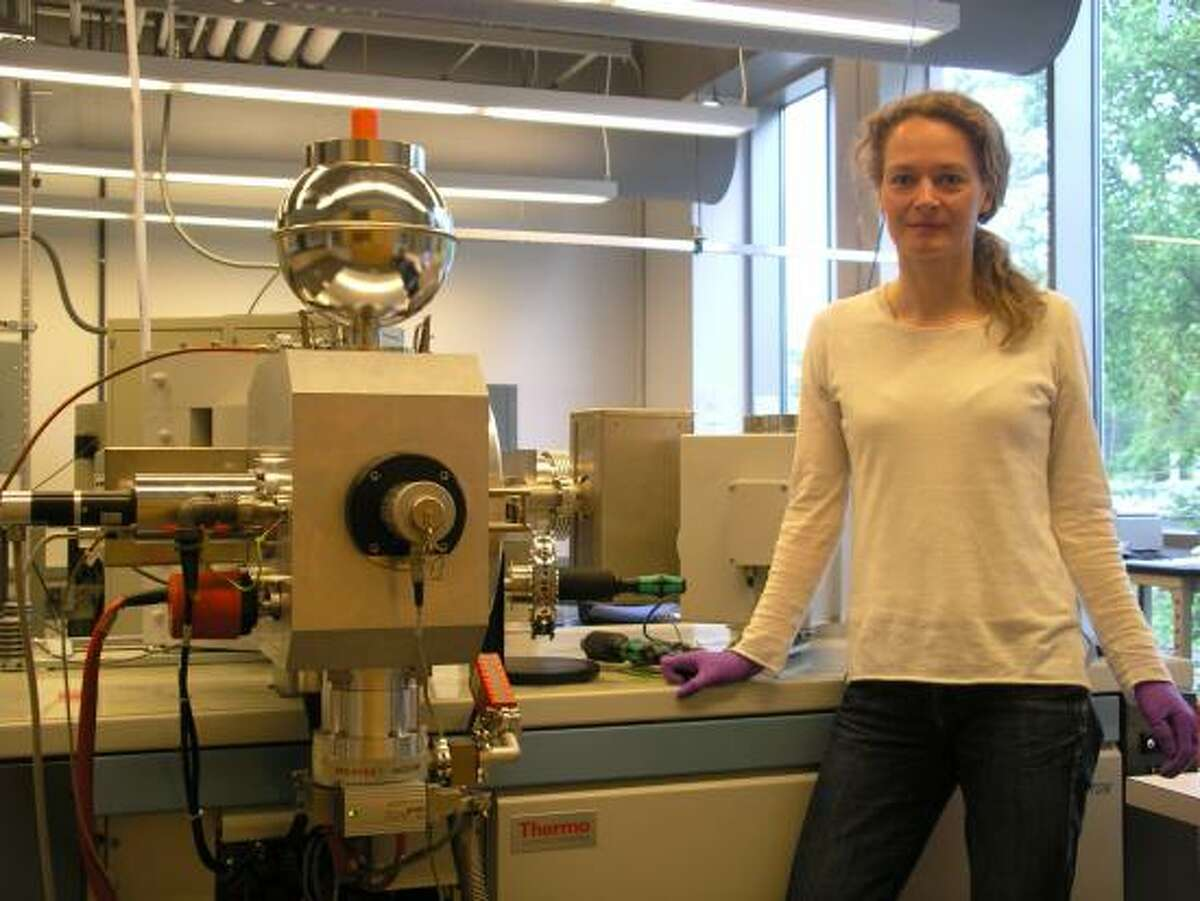 Study lead author Barbel Honisch with a mass spectrometer used to measure boron isotopes to reconstruct past levels of the greenhouse gas carbon dioxide.