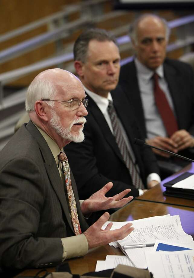 Lloyd Cluff, director of Risk Management and Director of the Geosciences Department for Pacific Gas and Electric, left, responds to a question while appearing before a Senate select committee looking into California's earthquake preparedness during a hearing at the Capitol in Sacramento,  Calif., Monday March 21, 2011. Lawmakers took testimony from various state agencies, natural gas utilities and the operators of California's nuclear power plants on the state's ability to handle an earthquake and possible tsunami like the one the struck Japan last week.  Also seen are Steve David, director of site services at PG&E's Diablo Canyon Power Plant, center and Daniel Hirsch, lecturer in nuclear policy at the University of California, Santa Cruz. (AP Photo/Rich Pedroncelli) Photo: Rich Pedroncelli, ASSOCIATED PRESS