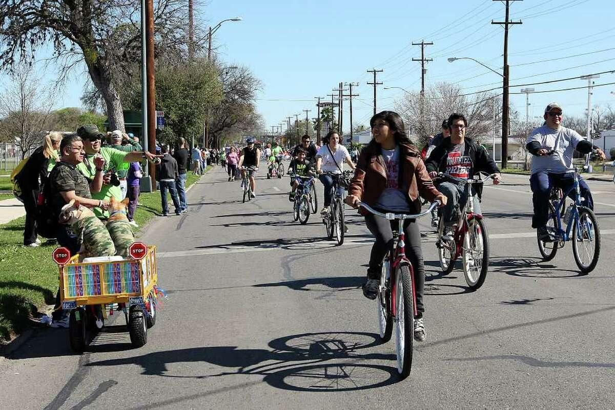 METRO -- Thousands participate in siclovia (accents ove the i's), San Antonio's Family Adventure along Broadway Street, Sunday, March 4, 2012. Jerry Lara/San Antonio Express-News