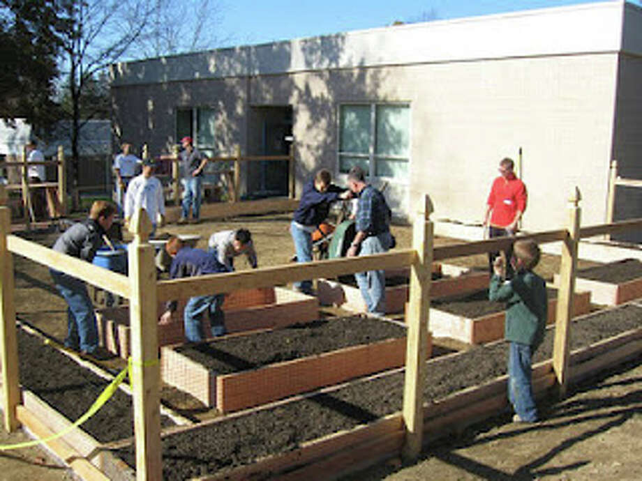 Construction on the garden at Ox Ridge Elementary School was completed in November 2011 and vegetable plantings are scheduled to take place in the near future. Photo: Contributed Photo