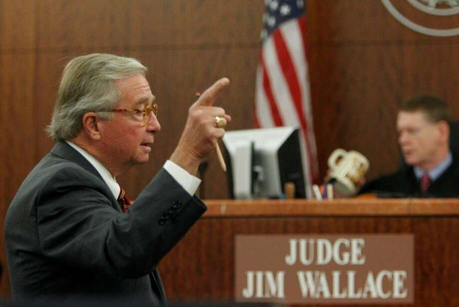 Defense attorney Dick Deguerin offers opening arguments for Brown, who had pleaded no-contest in 2002 to aggravated assault for beating then-pregnant wife, Darlina Brown. (Mayra Beltran / Houston Chronicle)