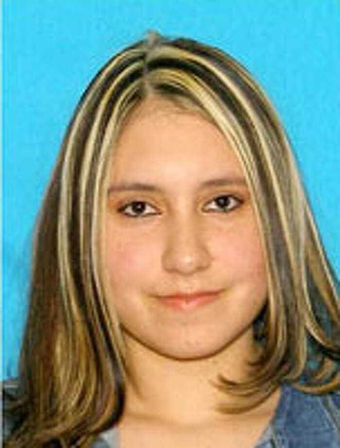 Nadia Jaqueline Zeveda-Rivas, 31, is suspected of distributing cocaine. Her last known address is in Pasco. Tips may be made to the U.S. Marshals Service at 877-926-8332 (877-WANTED2). Photo: Courtesy Of Federal Law Enforcement