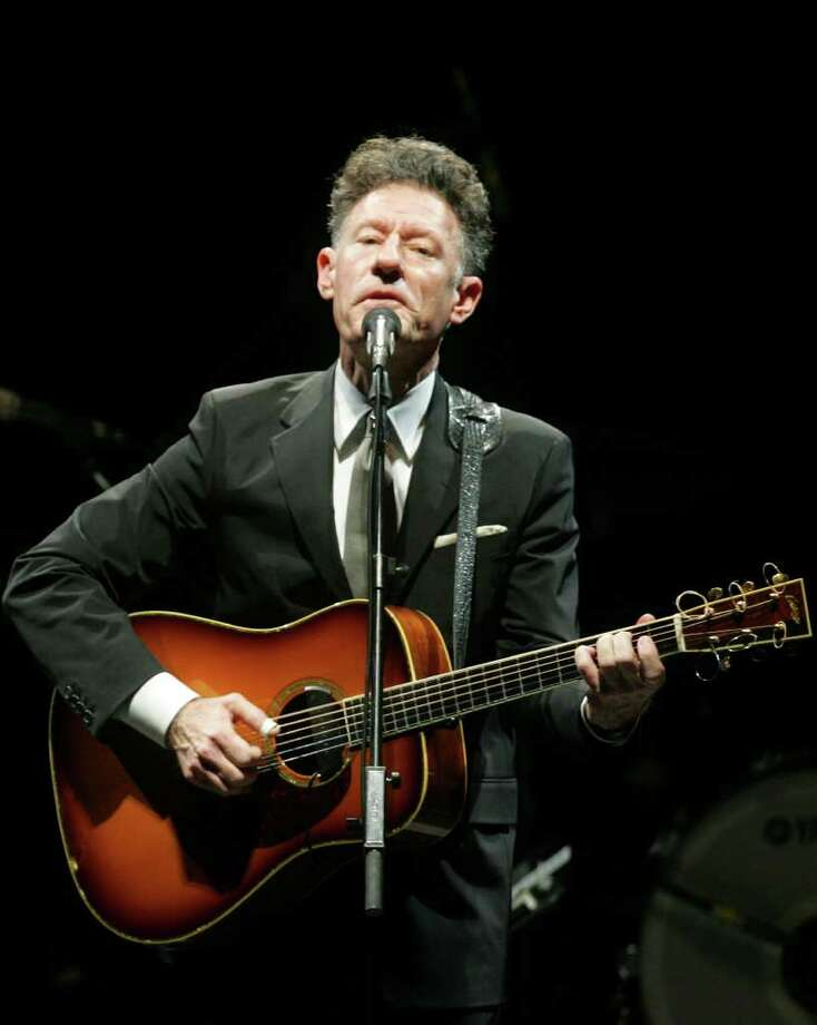 Musician Lyle Lovett Photo: Jennifer Whitney, San Antonio Express-News / San Antonio Express-News