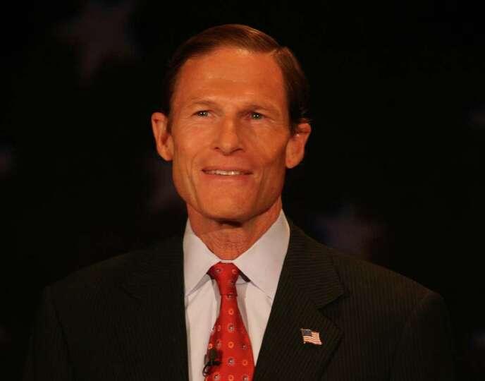Senate Democratic Candidate Richard Blumenthal debates Republican Candidate Linda McMahon at the Con