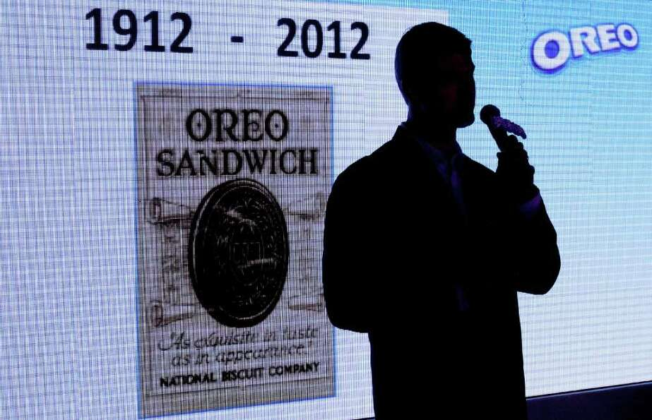 Shawn Warren, president of Kraft Foods China, delivers his speech during Oreo cookie's 100th anniver