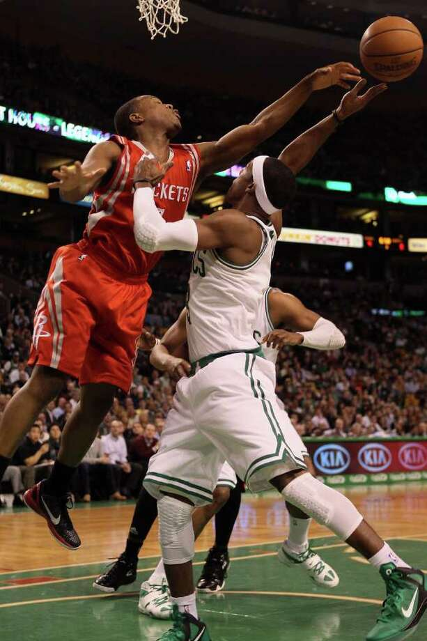 Kyle Lowry plays tough defense against Rajon Rondo. Photo: Elsa, Getty Images / 2012 Getty Images