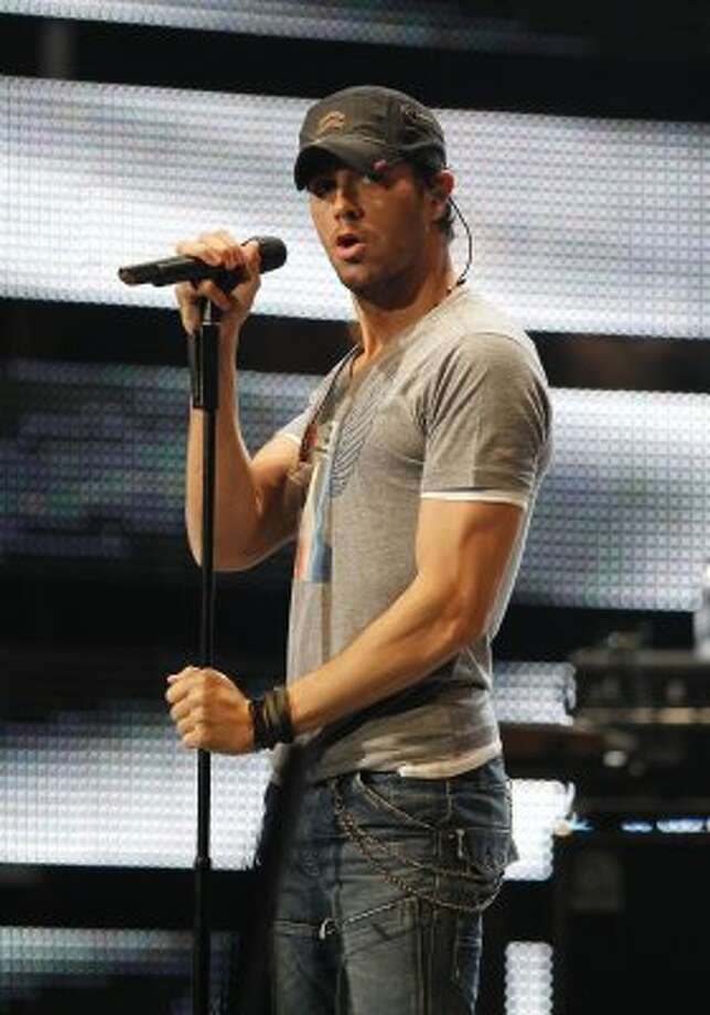 Enrique Iglesias performs in concert during the Houston Livestock Show and Rodeo on March 6, 2012. (James Nielsen / Chronicle)