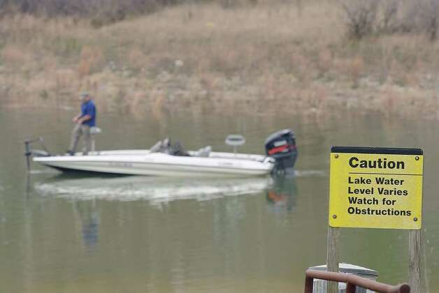 A sign cautions boaters of the hazards of fishing at the Sam Rayburn Reservoir.  Photo taken Thursday March 2, 2012 Guiseppe Barranco/The Enterprise Photo: Guiseppe Barranco, STAFF PHOTOGRAPHER / The Beaumont Enterprise