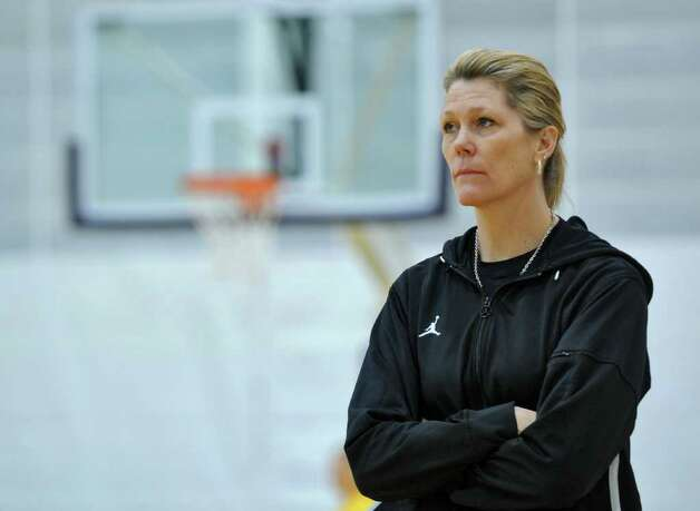UAlbany women's basketball coach Katie Abrahamson-Henderson leads her team in practice as they prepare for Saturday's America East championship game, on Wednesday March 7, 2012 in Albany, N.Y.  (Philip Kamrass / Times Union ) Photo: Philip Kamrass / 00016703A