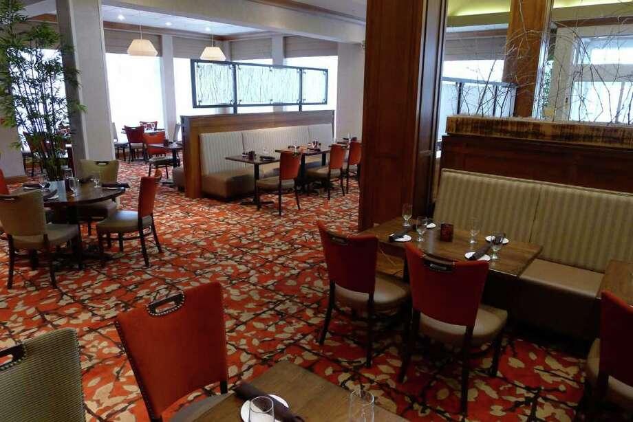 Restaurants that thrive in the 39 burbs times union for Hilton garden inn clifton park ny