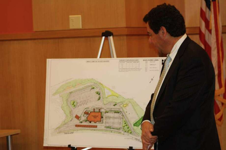 Paul Landino explains what the service plaza renovations along I-95 will entail and what residents can expect to see when the project is completed after about a year of work. Photo: Ben Holbrook