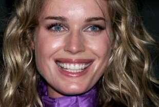 Berkeley native Rebecca Romijn in July 2000, age 27. (Getty Images)