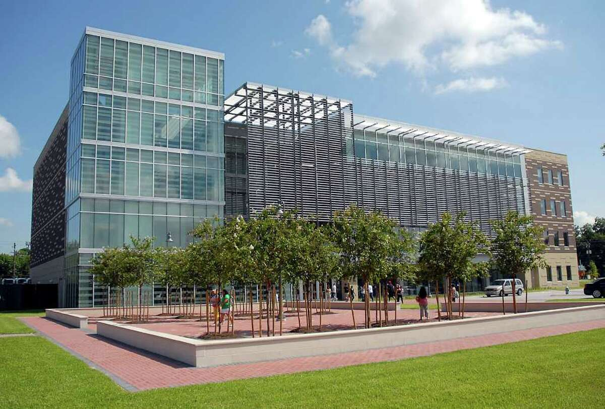 Houston Community College, one of the largest educational institutions in the nation, has several branches in the area, including its HCC-Northline campus.