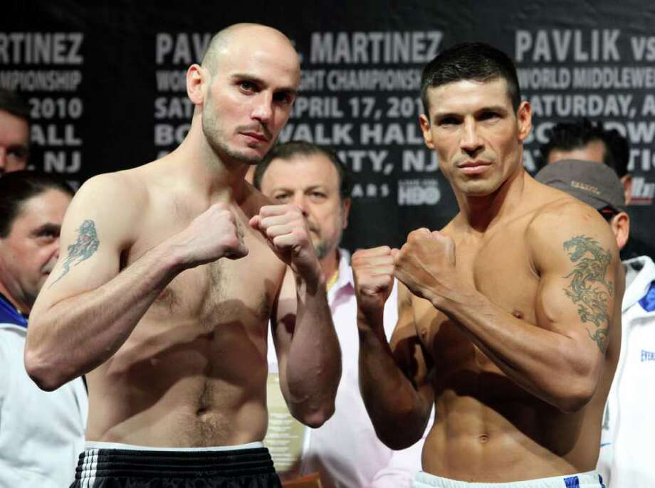 Kelly Pavlik (left) fights March 31 at the Alamodome. Photo: AP
