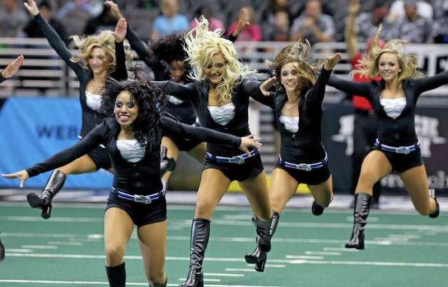 The Talons Sky Dancers hit the field as the San Antonio Talons beat the Utah Blaze 54-48 at the Alamodome  on March 10, 2012 Tom Reel/ San Antonio Express-News Photo: TOM REEL, Express-News / San Antonio Express-News
