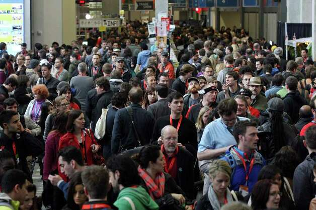 FOR METRO - Crowds fill the Austin Convention Center during South by Southwest Saturday March 10,  2012 in Austin, TX. Photo: EDWARD A. ORNELAS, SAN ANTONIO EXPRESS-NEWS / © SAN ANTONIO EXPRESS-NEWS (NFS)