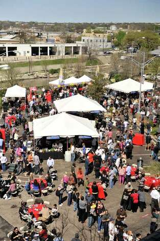 A large crowd attended the Corona Paella Challenge at the Pearl Brewery Sunday. Photo: Robin Jerstad, Robin Jerstad/For The Express-News