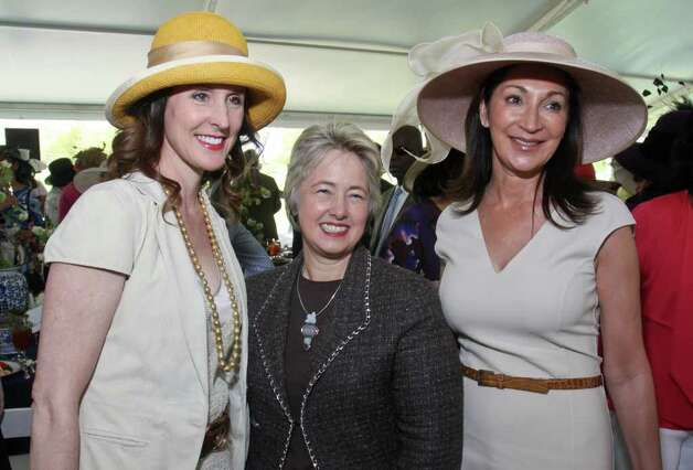 Phoebe Tudor, left, Mayor Annise Parker and Soraya McClelland Photo: Gary Fountain / Copyright 2012 Gary Fountain.