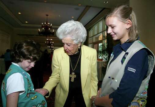 Rhiannon Puckett (Girl Scout Junior), Dela White (honoree) and Kaitlyn DeHaven (Girl Scout Cadet) were at the Trefoil Awards luncheon on Sept. 23, 2008, at the Westin Riverwalk Hotel. Photo: LELAND A. OUTZ, Express-News File Photo / SAN ANTONIO EXPRESS-NEWS