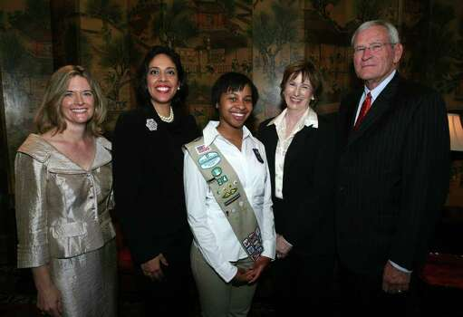 Suzanne Peterson (Board Chair), Anna Maria Chávez (CEO), Selena Mitchell (Girl Scout Board Member), Linda Whitacre (Honoree) and Ed Whitacre (Spouse) were at the Girl Scouts of South Texas Trefoil Award luncheon on Sept. 17, 2009 at the San Antonio Country Club. Photo: LELAND A. OUTZ, Express-News File Photo / SAN ANTONIO EXPRESS-NEWS