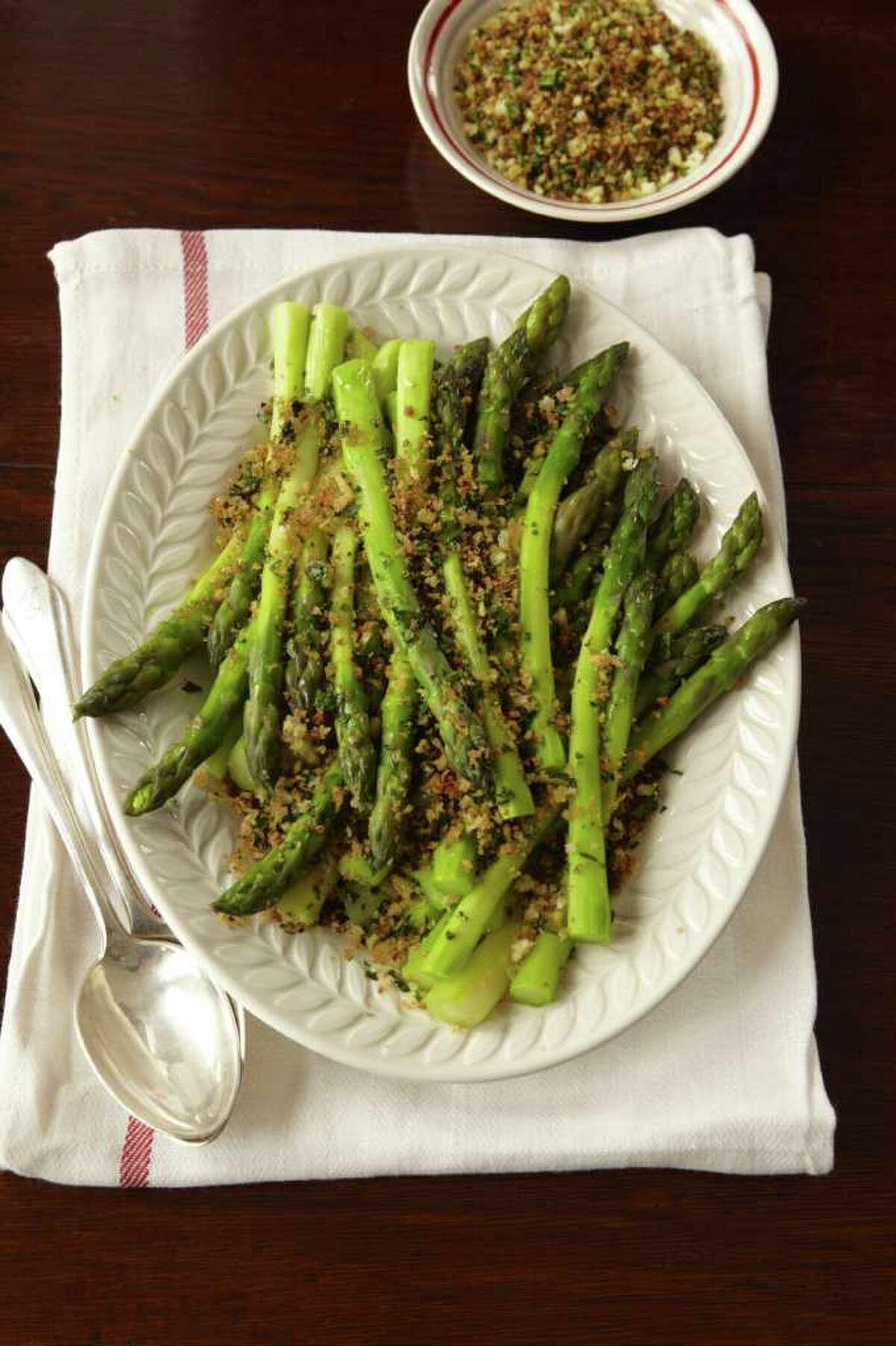Delish: recipe for Asparagus Gremolata.