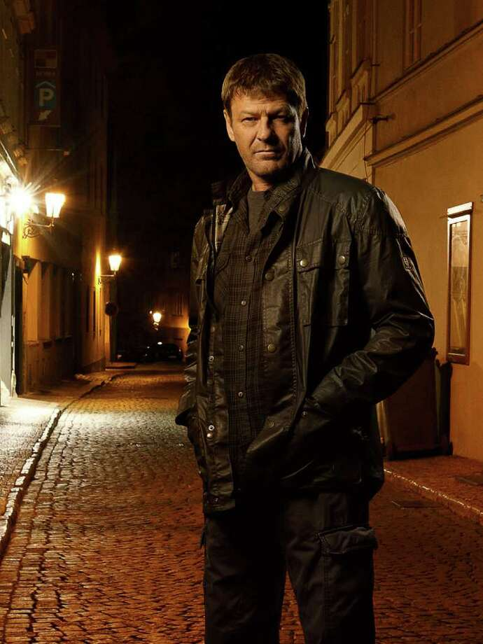 "ABC's ""Missing"" stars Sean Bean as Paul Winstone. Photo: Bob D'Amico, ABC / © 2011 American Broadcasting Companies, Inc. All rights reserved."