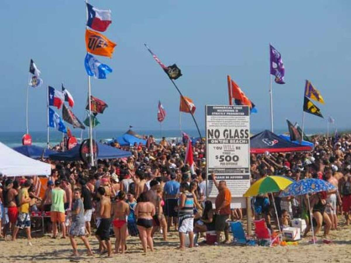 Spring breakers pack Coca-Cola Beach in South Padre Island on March 12, 2012.(Chris Sherman / Associated Press)