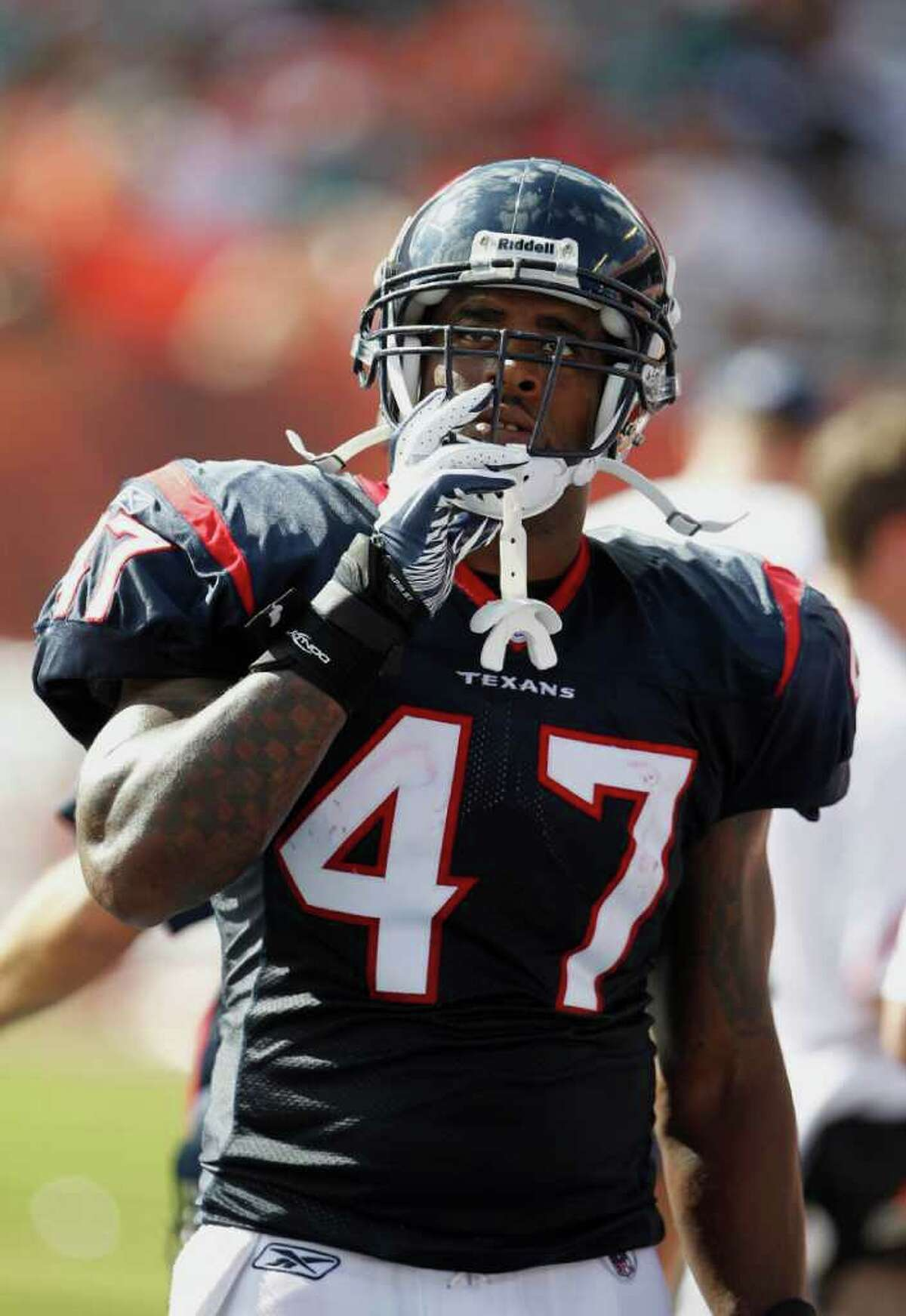 Lawrence Vickers was effective as a lead blocker for Arian Foster and Ben Tate in his lone season with the Texans.