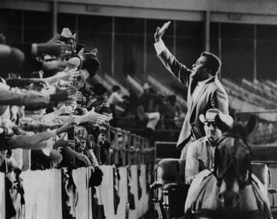 Singer Charley Pride waves to the crowd on Mar. 4, 1970.     (Houston Chronicle)