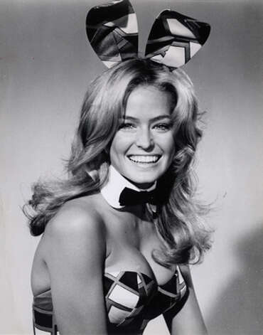 "Farrah Fawcett plays a Playboy Bunny in the contemporary comedy about women's liberation in ""The Feminist and the Fuzz,"" an ABC-TV Movie-of-the-week, Tuesday, JAn. 26 (8:30-10 pm. est). Starring in the Screen Gems production are BArbara Eden, David Hartman, Jo Anne Worley and Julie Newmar. (ABC)"