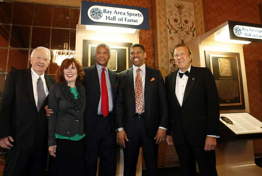 BASHOF president Thomas Martz (left) welcomed Donna Archer, Gene Washington, Kevin Johnson and Tom Flores at the St. Francis Hotel. Photo: Carlos Avila Gonzalez, The Chronicle