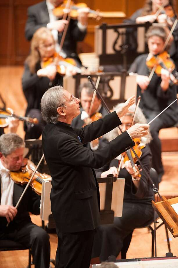 "Keeping all elements in place, Michael Tilson Thomas led a dazzling version of the ""Concord Symphony."" Photo: Kristen Loken"