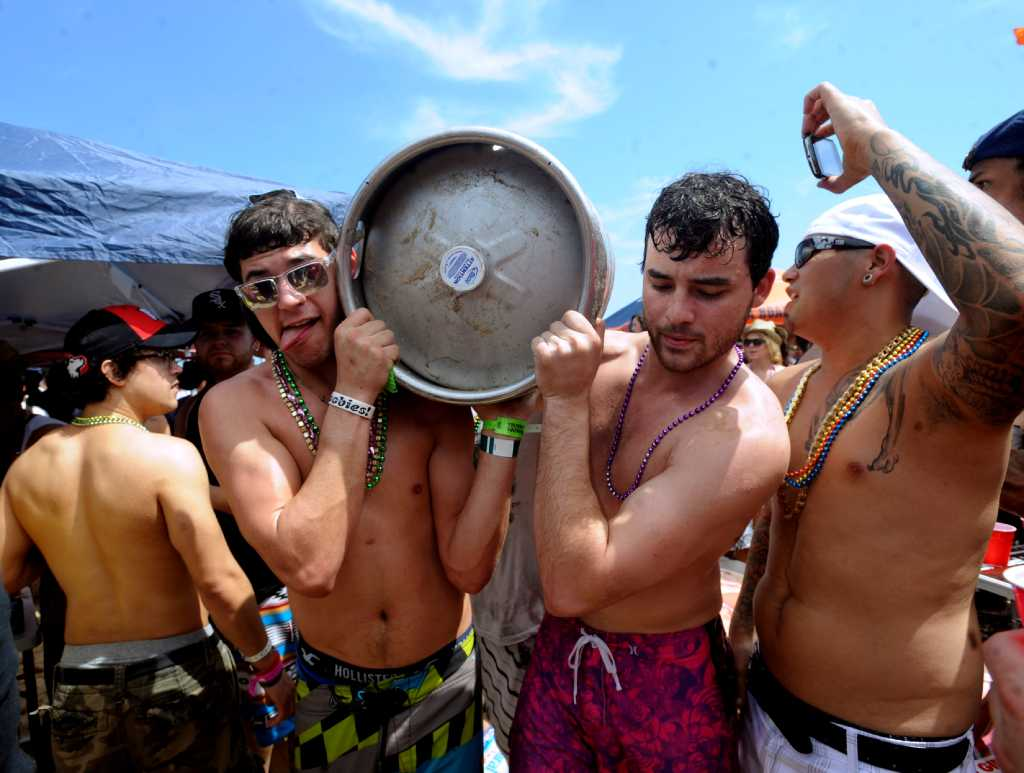 South Padre Island Fills With People Fun San Antonio