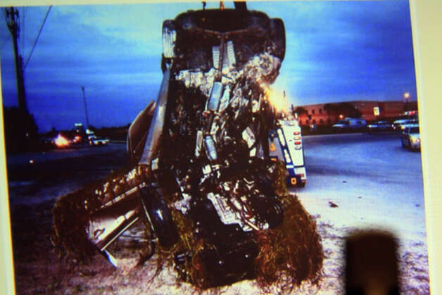 An image of Scott Wilson's Hyundai after it was pulled from the canal w