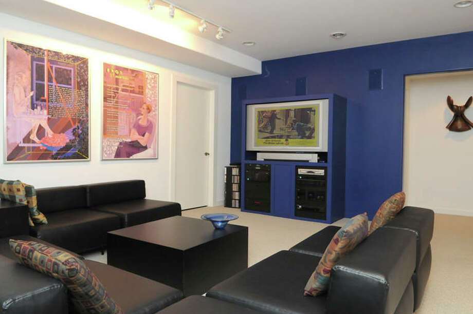 House of the Week: 11 Park Alley North, Saratoga Springs   Realtor: Shannon McCarthy at RealtyUSA.com   Discuss: Talk about this house Photo: Mark Bolles, Courtesy Photo / © Mark Bolles