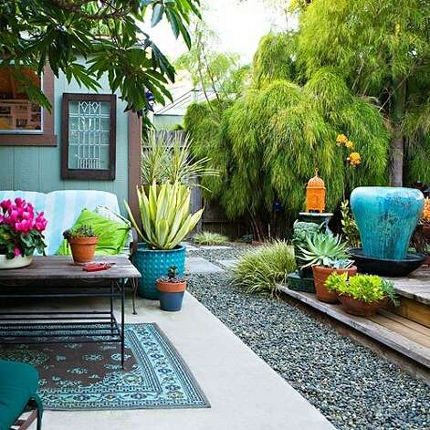 "<b>Glam out your backyard on the cheap:</b> It's hard enough to plan a garden on your own, let alone plan one on a budget. But a Venice, California homeowner revamped her backyard into a chic outdoor retreat, for less than $2,800. Get inspiration for your own backyard makeover with <a href=""http://www.sunset.com/garden/landscaping-design/chic-affordable-backyard-00418000070409/"">her tips on style and bargain finds</a>. <br style=""clear:both;"" /><a href=""http://www.sunset.com"" target=""_blank"" class=""sunsetlogo""><img src=""http://imgs.sfgate.com/graphics/partners/sunset/sunset_logo.gif"" alt=""Sunset"" border=""0""/></a> Photo: Bret Gum, Sunset.com"