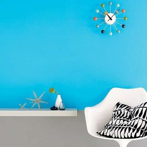 "<b>Paint with a bright palette:</b> The secret to lively (yet livable) rooms is to team a bold paint with robust neutrals. <b>Read more:</b> <a href=""http://www.sunset.com/travel/outdoor-adventure/top-10-waterfalls-00400000011551/?xid=sfg-sunset-030112%3C"">Top 10 waterfalls</a> <br style=""clear:both;"" /><a href=""http://www.sunset.com"" target=""_blank"" class=""sunsetlogo""><img src=""http://imgs.sfgate.com/graphics/partners/sunset/sunset_logo.gif"" alt=""Sunset"" border=""0""/></a> Photo: Jeffery Cross, Sunset.com"