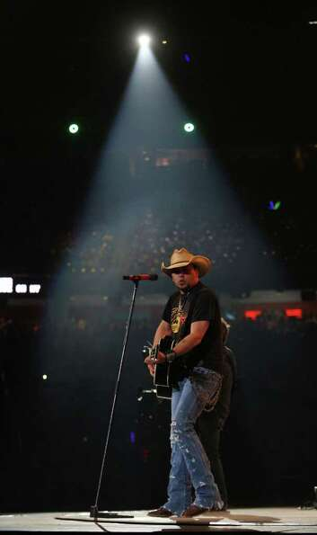 Jason Aldean performs in concert at the Houston Livestock Show and Rodeo in Reliant Stadium Thursday