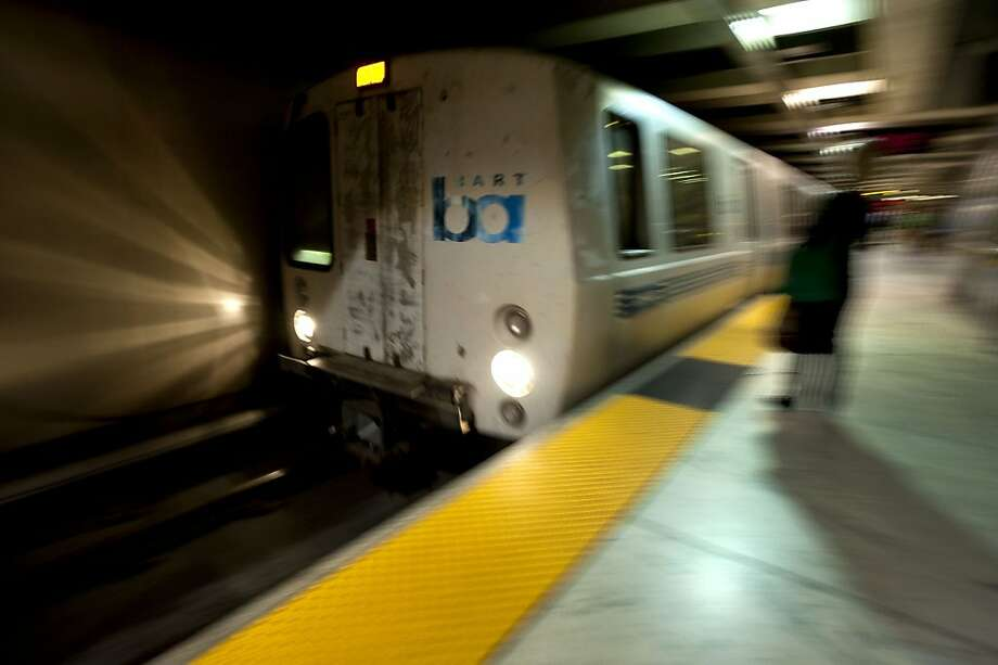 A BART train takes off into the Transbay Tube in San Francisco, Calif., on Friday, September 3, 2010. Photo: Chad Ziemendorf, The Chronicle