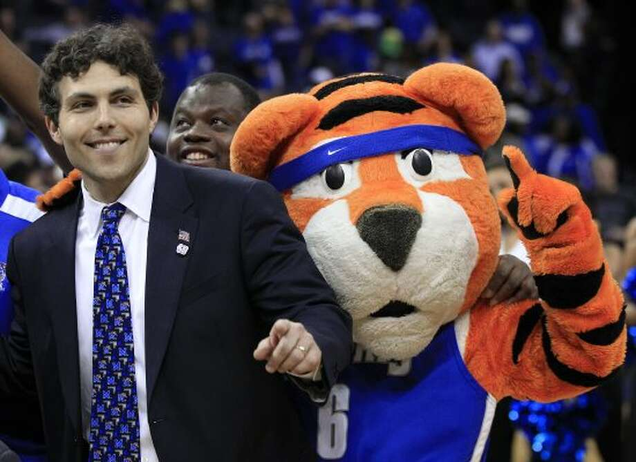 The thousand-mile stare of Memphis' Pouncer makes you contemplate life's mysteries. (Mark Humphrey / Associated Press)