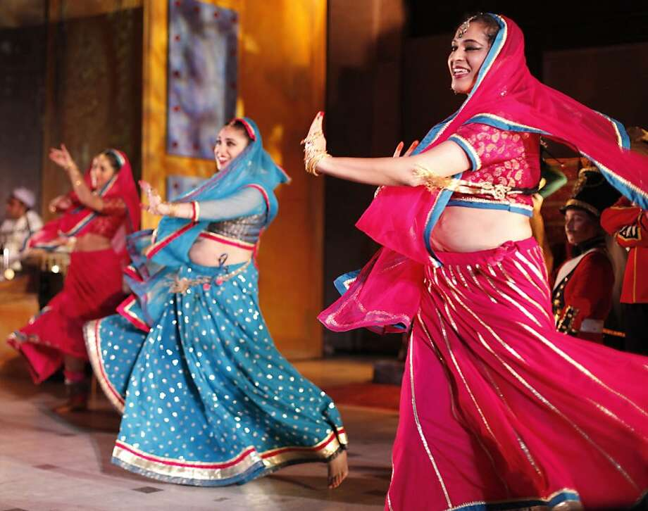 Darbar is filled with many beautiful costumes and wonderful dance scenes. The Chitresh Das Dance Company, with the help of kathak master Pandit Chitresh Das, present the world premiere of Darbar, a story about the search for freedom in India while under British rule. The dance can be seen at the Asian Arts Museum in San Francisco. Photo: Sean Culligan, The Chronicle