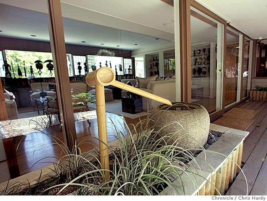 House designed by modernist architect Henry Hill. Owned by Jim Ludwig, it has lots of African and contemporary art. in San Francisco  5/31/05 Chris Hardy / San Francisco Chronicle Photo: Chris Hardy