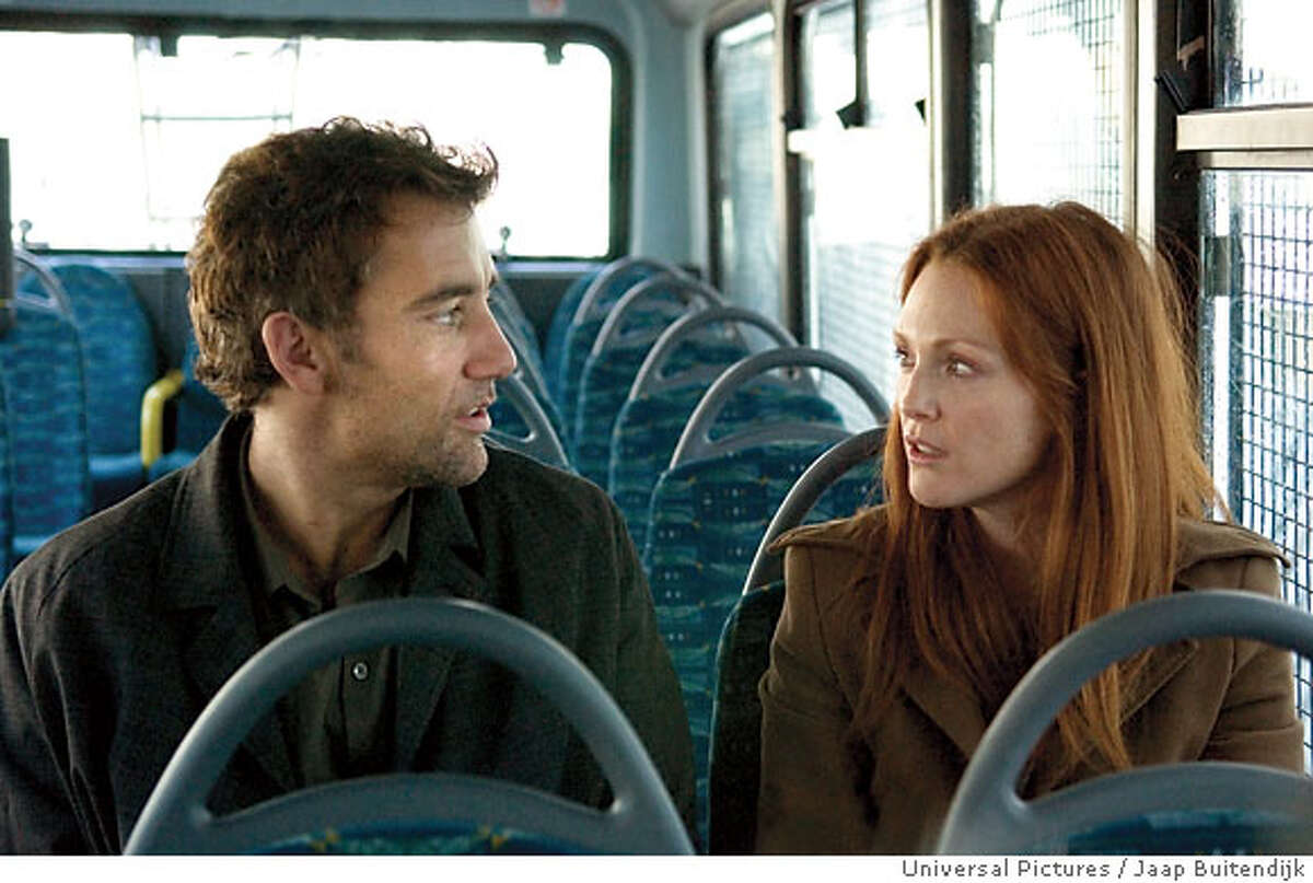 Disillusioned bureaucrat Theo (CLIVE OWEN) and underground opposition leader Julian (JULIANNE MOORE) in the thriller ?Children of Men?, directed by acclaimed filmmaker Alfonso Cuaron. ?Children of Men? will be released in theaters on September 29, 2006.