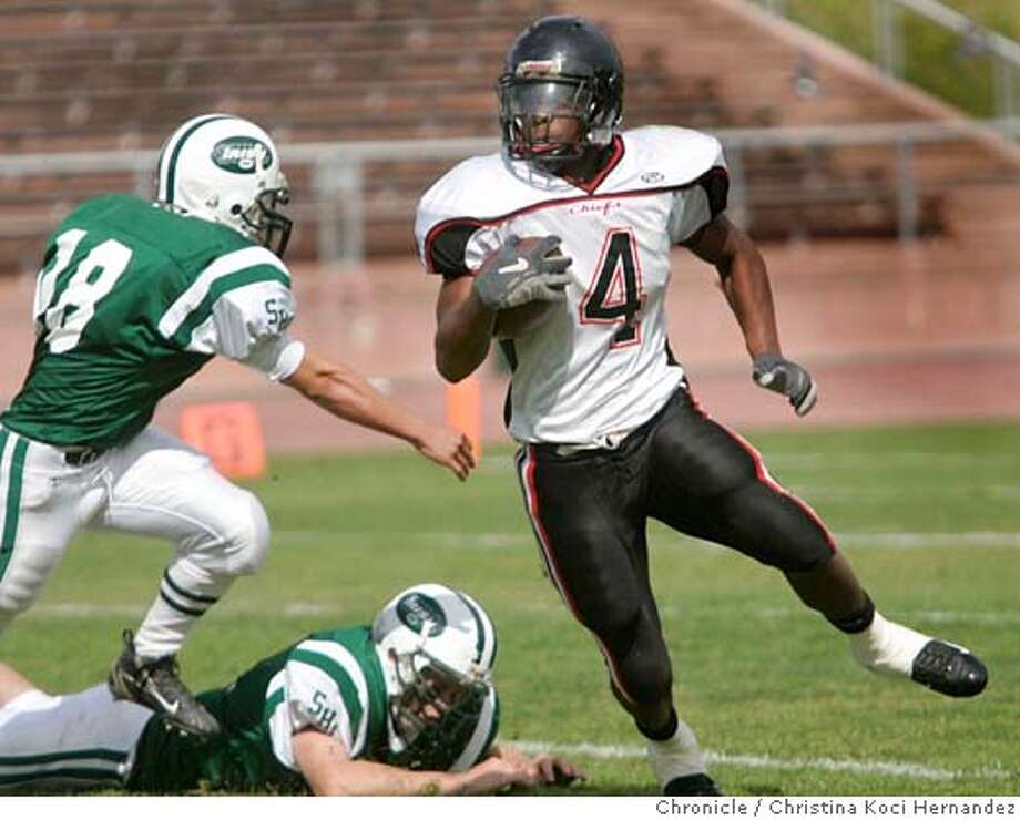 Salesian's #4, Jahvid Best runs with the ball in the third quarter.Prep football. Salesian (Richmond) loses to Sacred Heart Cathedral played at Kezar Stadium, in SF  .(CHRISTINA KOCI HERNANDEZ/THE CHRONICLE) Ran on: 11-15-2006  Salesian's Jahvid Best simply might be the best running back in Northern California.  Ran on: 11-15-2006 Mandatory Credit For Photographer and San Francisco Chronicle/No-Sales-Mags Out Photo: Christina Koci Hernandez