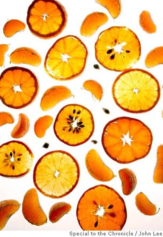SEASONAL20_MANDARINS_18JOHNLEE.JPG  random pieces of mandarins.  By JOHN LEE/SPECIAL TO THE CHRONICLE Photo: JOHN LEE