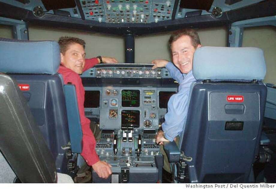 Pilots Ron Davis and Jeff DePaolis in an Airbus A320 simulator at an airline training facility in Denver. The two went through situations they could never attempt in a real plane because they are too dangerous. Illustrates SIMULATOR (category a), by Del Quentin Wilber � 2006, The Washington Post. Moved Wednesday, Dec. 13, 2006. (MUST CREDIT: Washington Post photo by Del Quentin Wilber.) Photo: WILBER