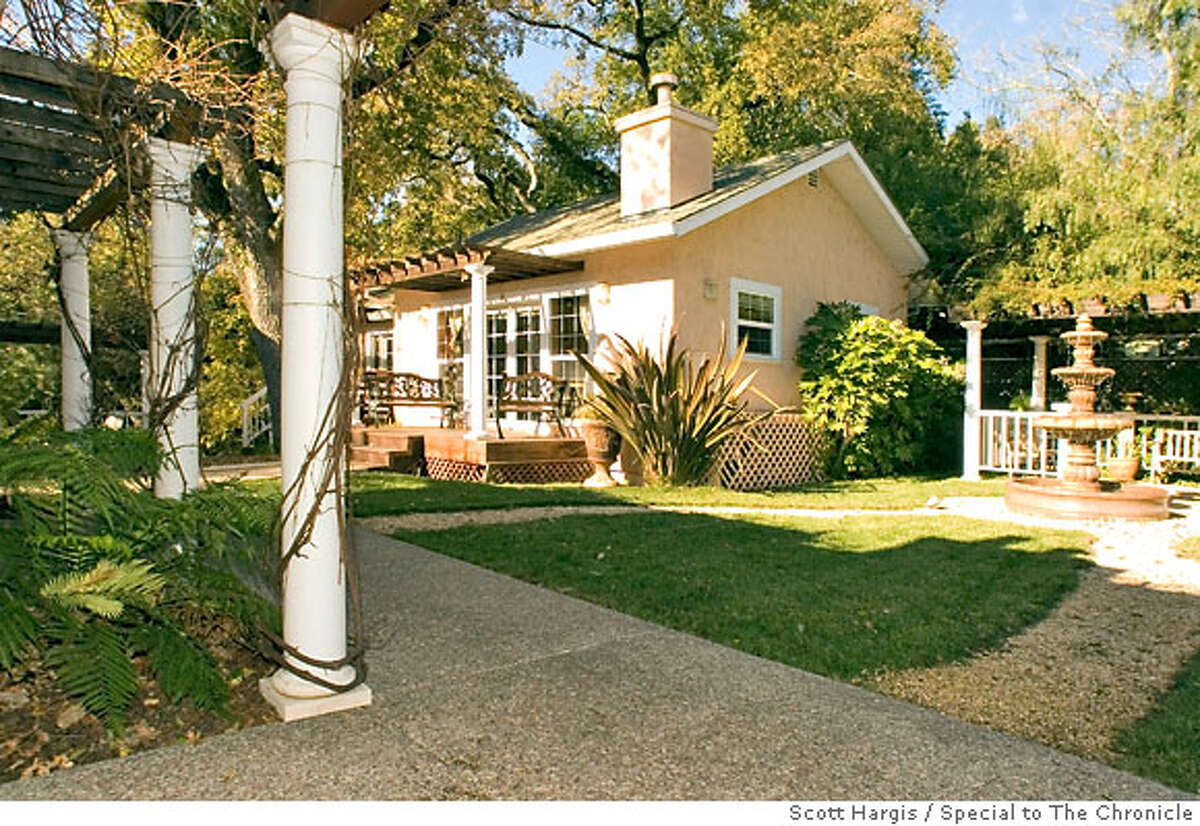has several cottages located behind the restaurant and beside a creek, with numerous patios and seating areas to enjoy the grounds.