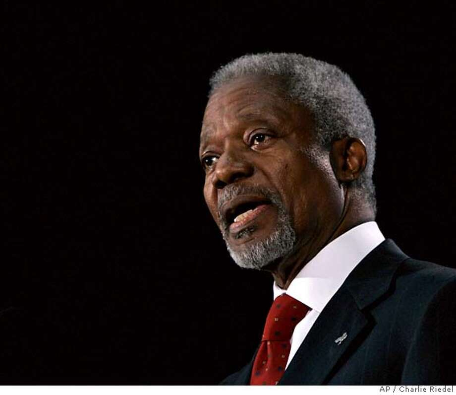 United Nations Secretary-General Kofi Annan addresses the crowd as he makes his farewell address at the Truman Library in Independence, Mo. Monday, Dec. 11, 2006. (AP Photo/Charlie Riedel) Photo: Charlie Riedel