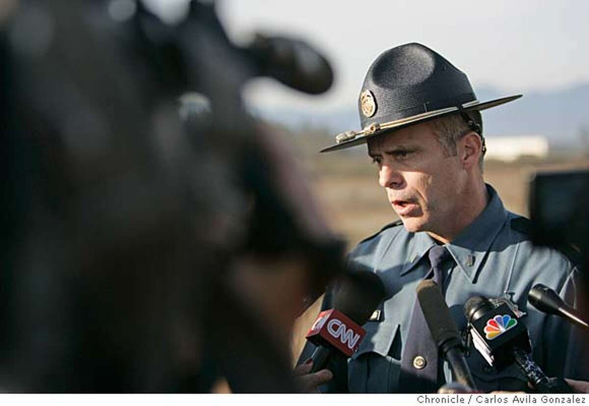 Oregon State Police Lt. Greg Hastings briefs the media after the discovery of a pair of pants believed to be those of james Kim were found in the search area. Local and state authorities and search and rescue personnel continued their search for James Kim, the San Francisco man whose family was rescued after they were lost in the mountains outside of Merlin, Or., on Tuesday, December 5, 2006. Kim set out on foot to try to find help, but has not been located although his family was rescued Monday at the family car. Photo by Carlos Avila Gonzalez/The San Francisco Chronicle Photo taken on 12/5/06, in Merlin, Or, USA. **All names cq (source)